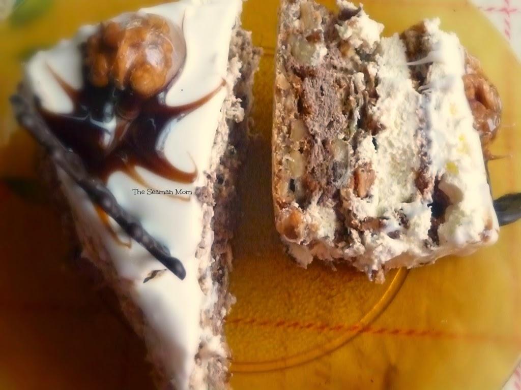 Meringue cake with walnuts recipe
