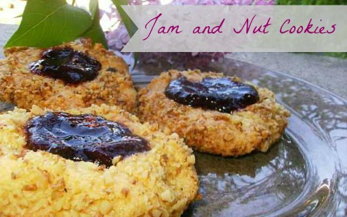 Jam and nut cookies