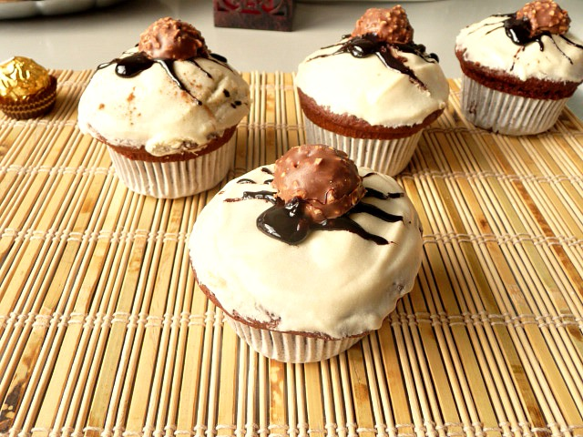 Spider muffins with yogurt 4
