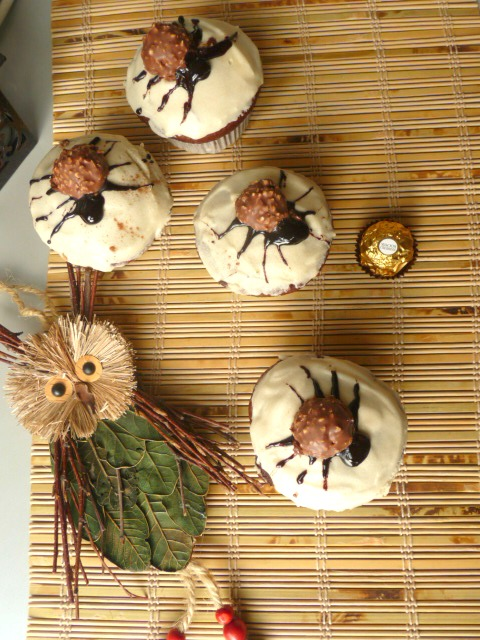 Spider muffins with yogurt