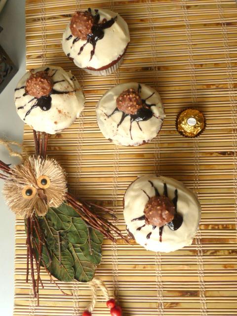 Spider muffins with yogurt