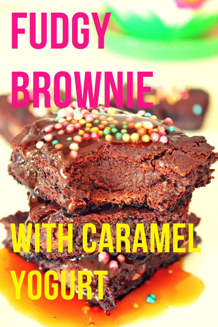 Fudgy yogurt brownie with caramel