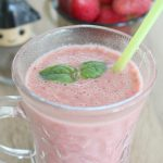 Strawberry, basil and black pepper smoothie