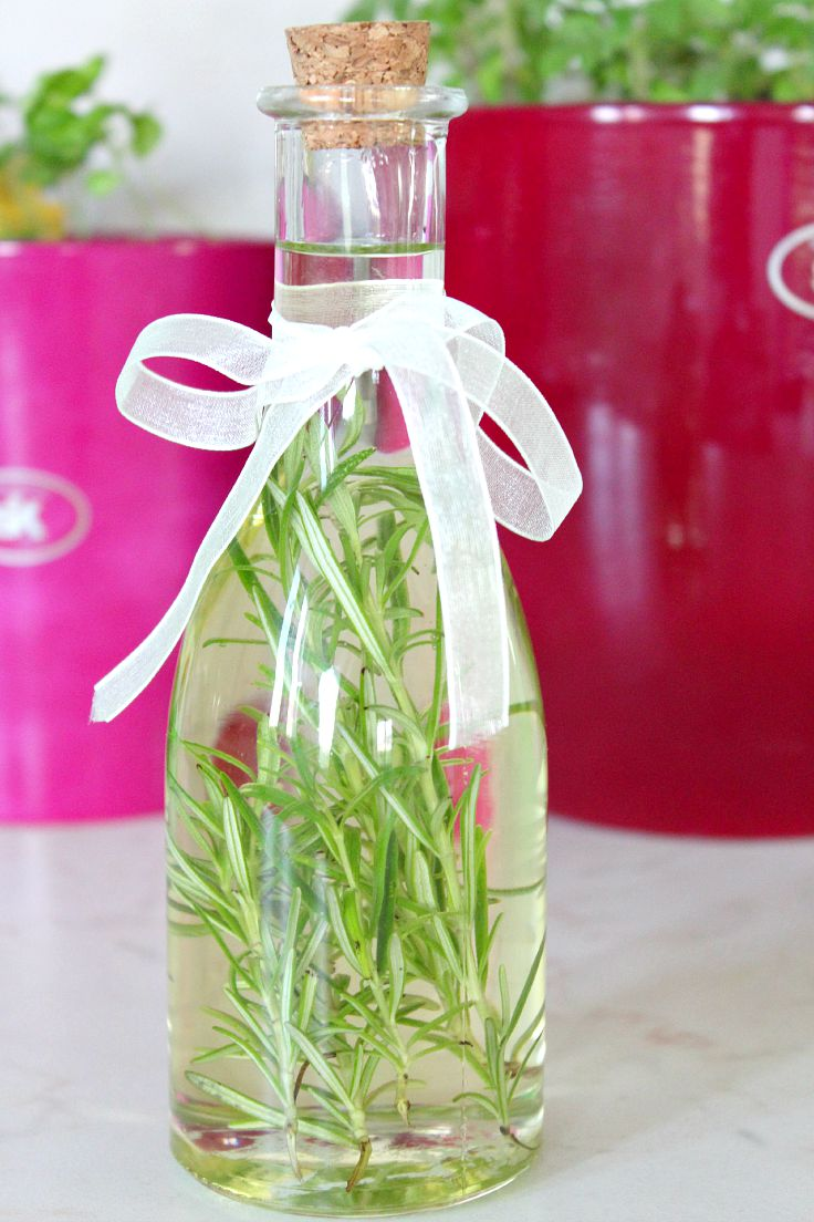 How to make rosemary infused oil