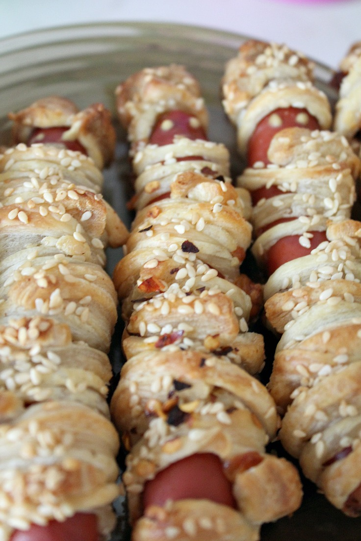 crescent roll hot dog mummies
