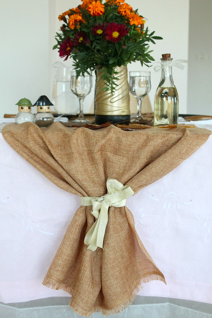 DUY Burlap table runner