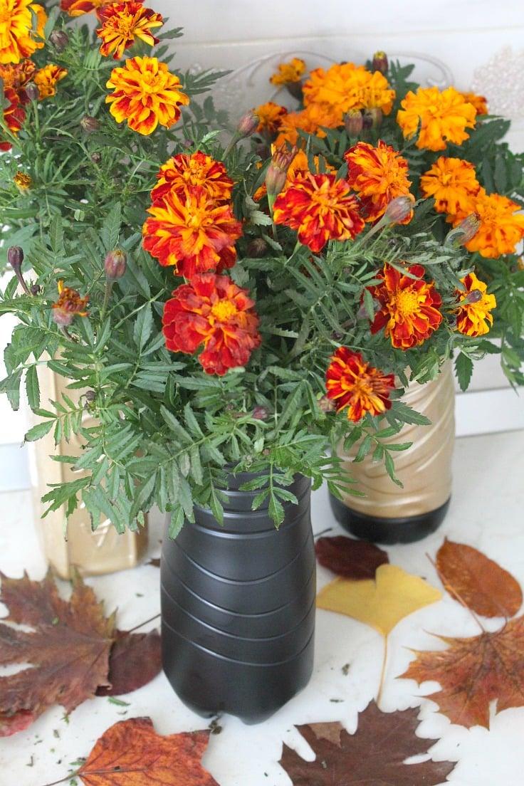 Diy Flower Vase Out Of Plastic Bottle
