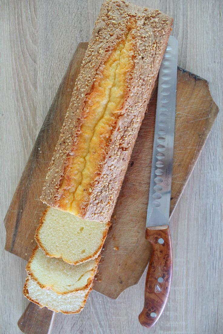 Madeira cake with almonds