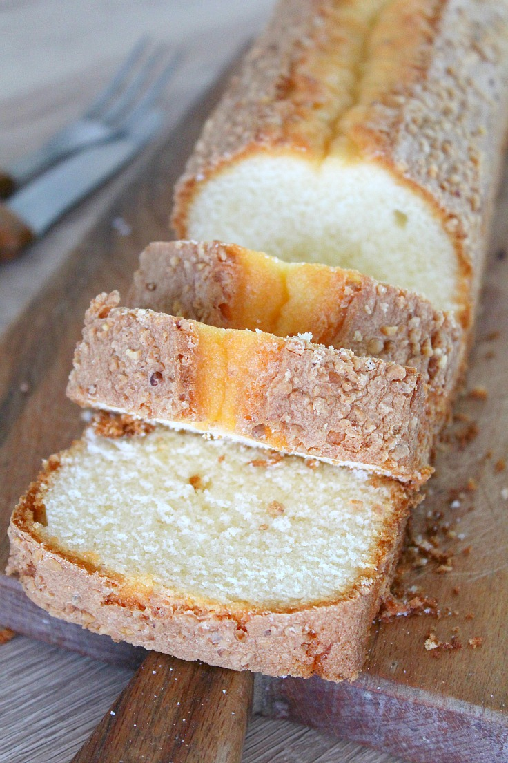 Madeira cake with almonds