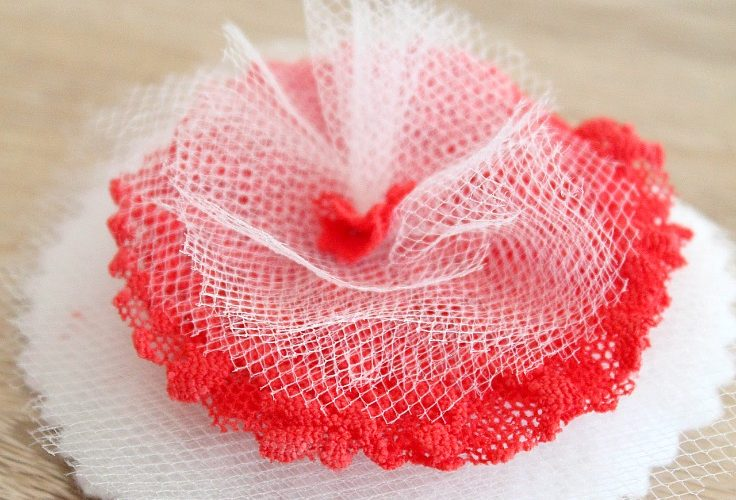 How to make fabric flowers the insanely easy way