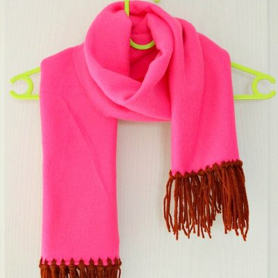 No sew fleece scarf tutorial with yarn fringe