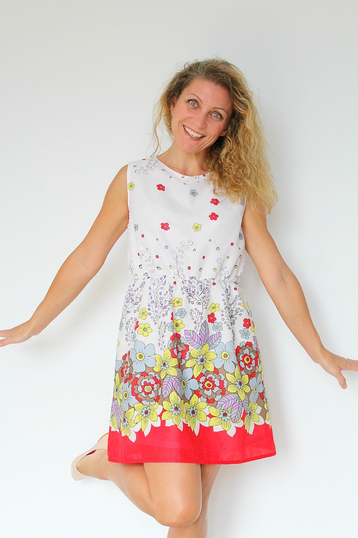Fun and easy to sew, this women summer dress pattern and tutorial is suitable for all levels.