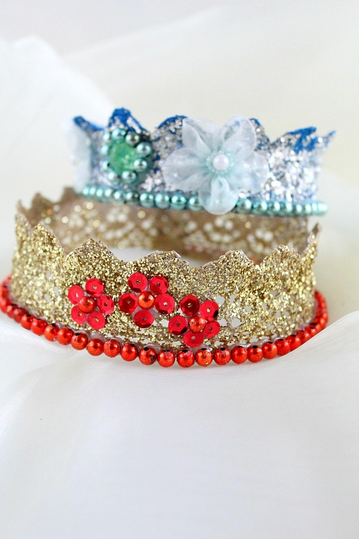 Fun and simple lace crown perfect for kids birthday party or dress-up