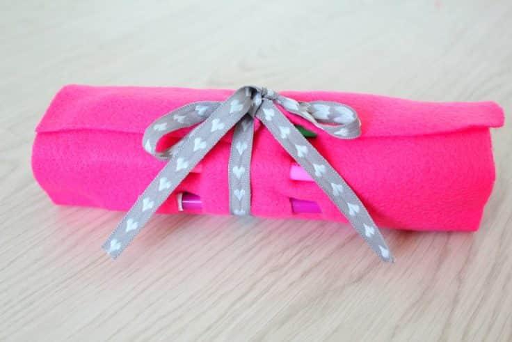 Pencil roll case