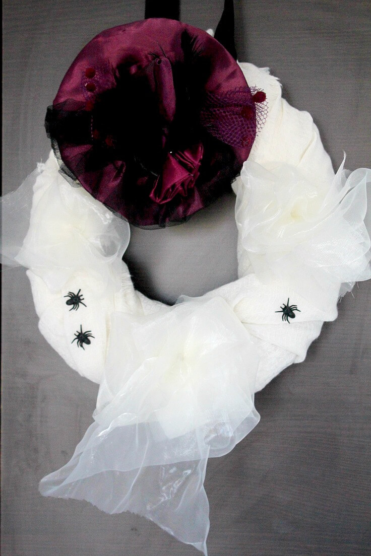 Make a Halloween wreath
