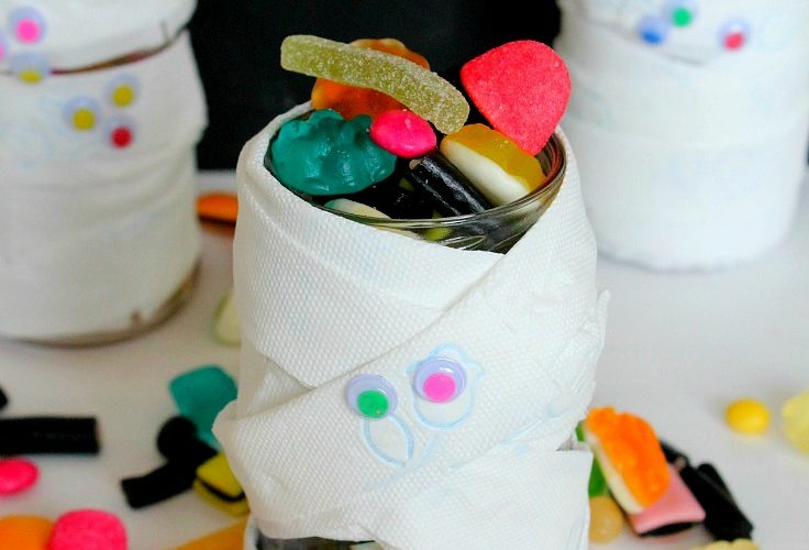 Easy Mummy Halloween Treat Jar