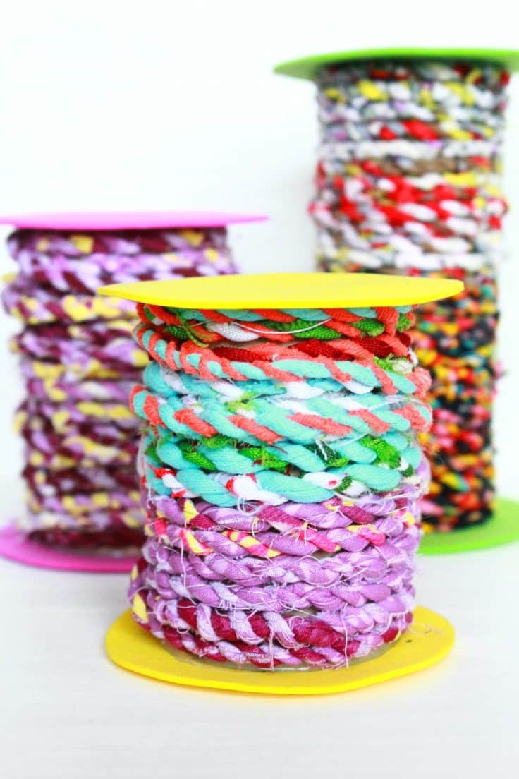 Do you have too many fabric scraps? Clean up your basket and put all those scraps to a good use with this delightful tutorial on how to make fabric twine.