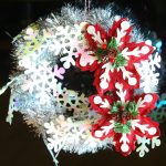 Quick tinsel garland wreath tutorial