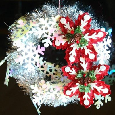 Quick tinsel garland wreath tutorial