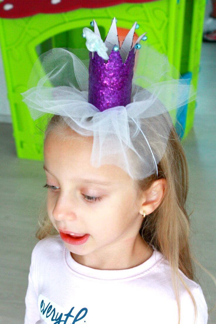 Glitter crown in purple, made with tp rolls and tulle