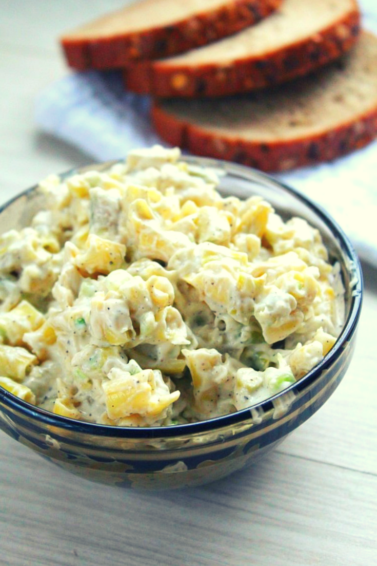 Yellow bean salad with garlic and mayonnaise