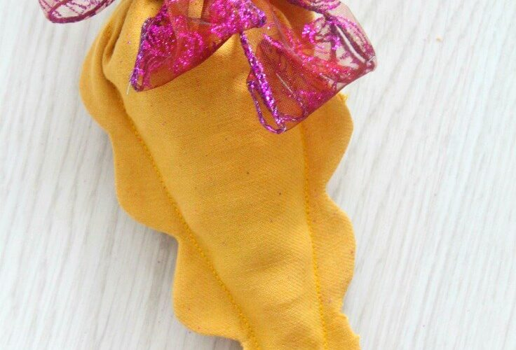 Easter Carrot Treat Pouch With Scallops Sewing Tutorial