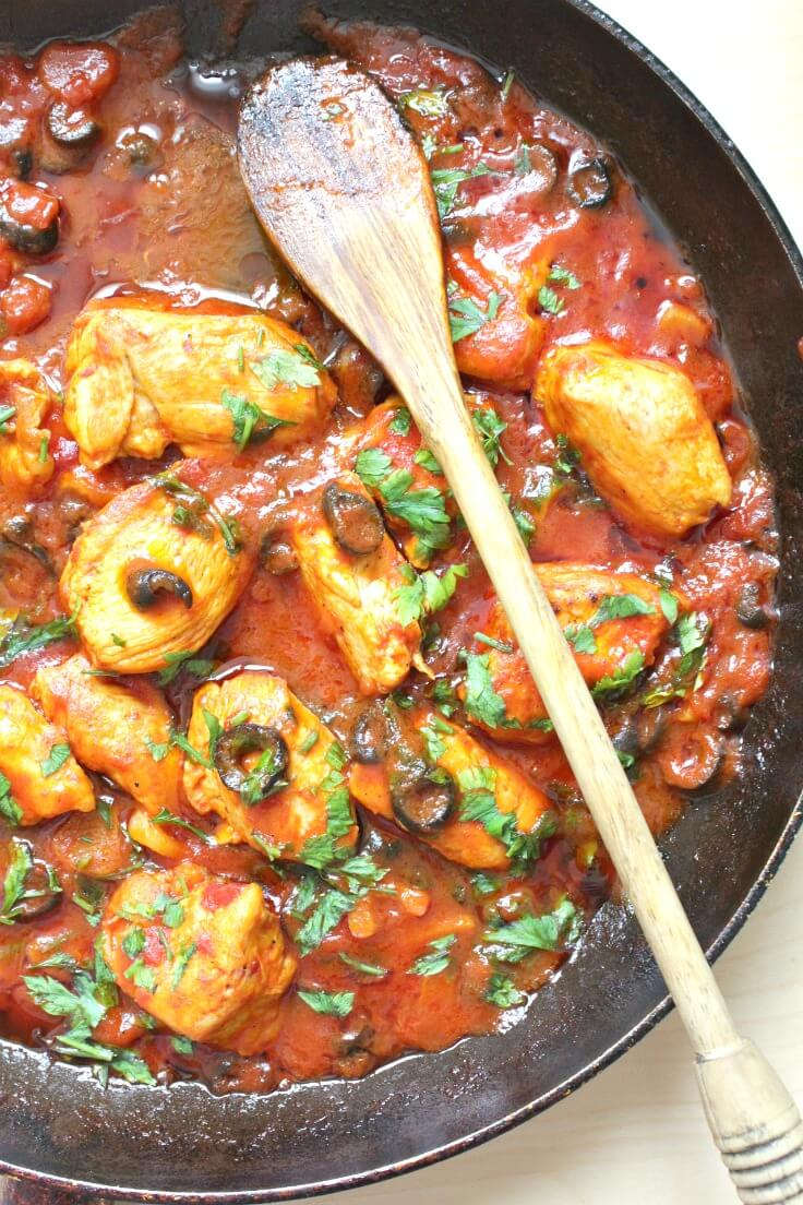 Chicken With Olives In Tomato Sauce