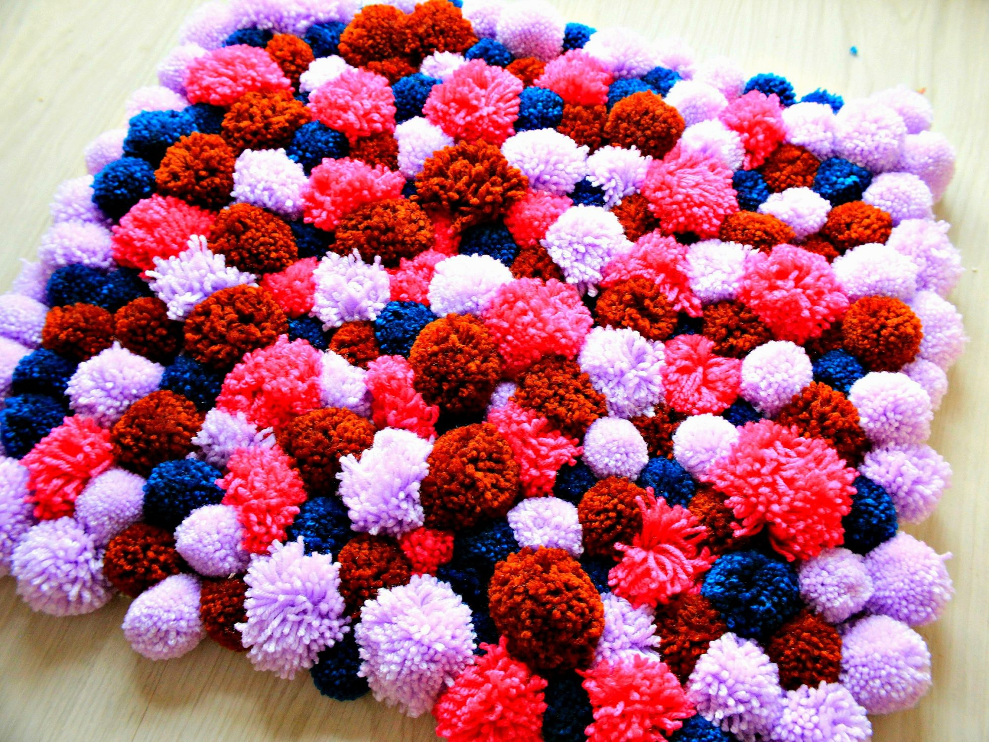 Diy Pom Pom Rug Super Easy To Make With Fluffy Wool Yarn