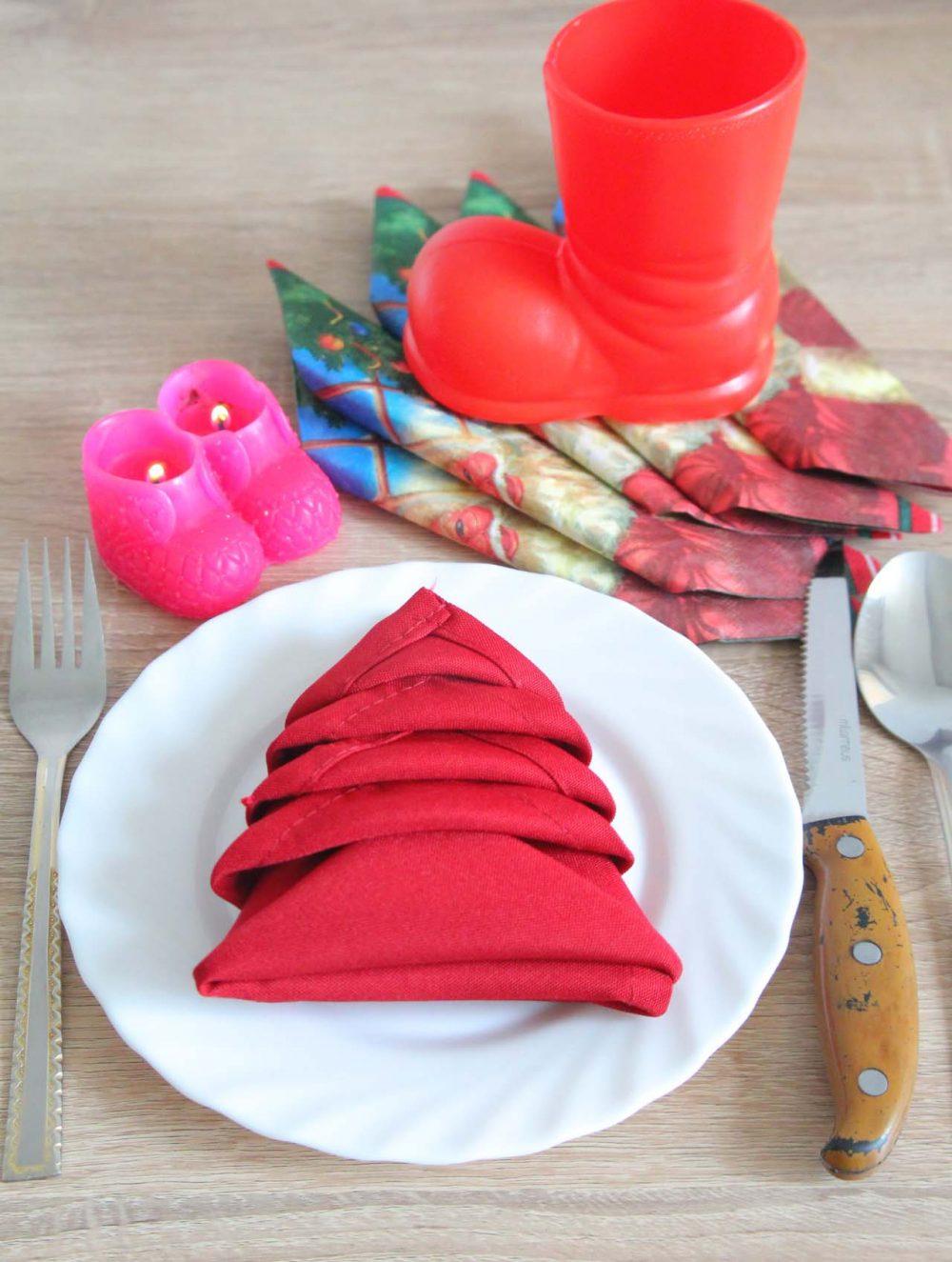 christmas tree napkin folding procedure