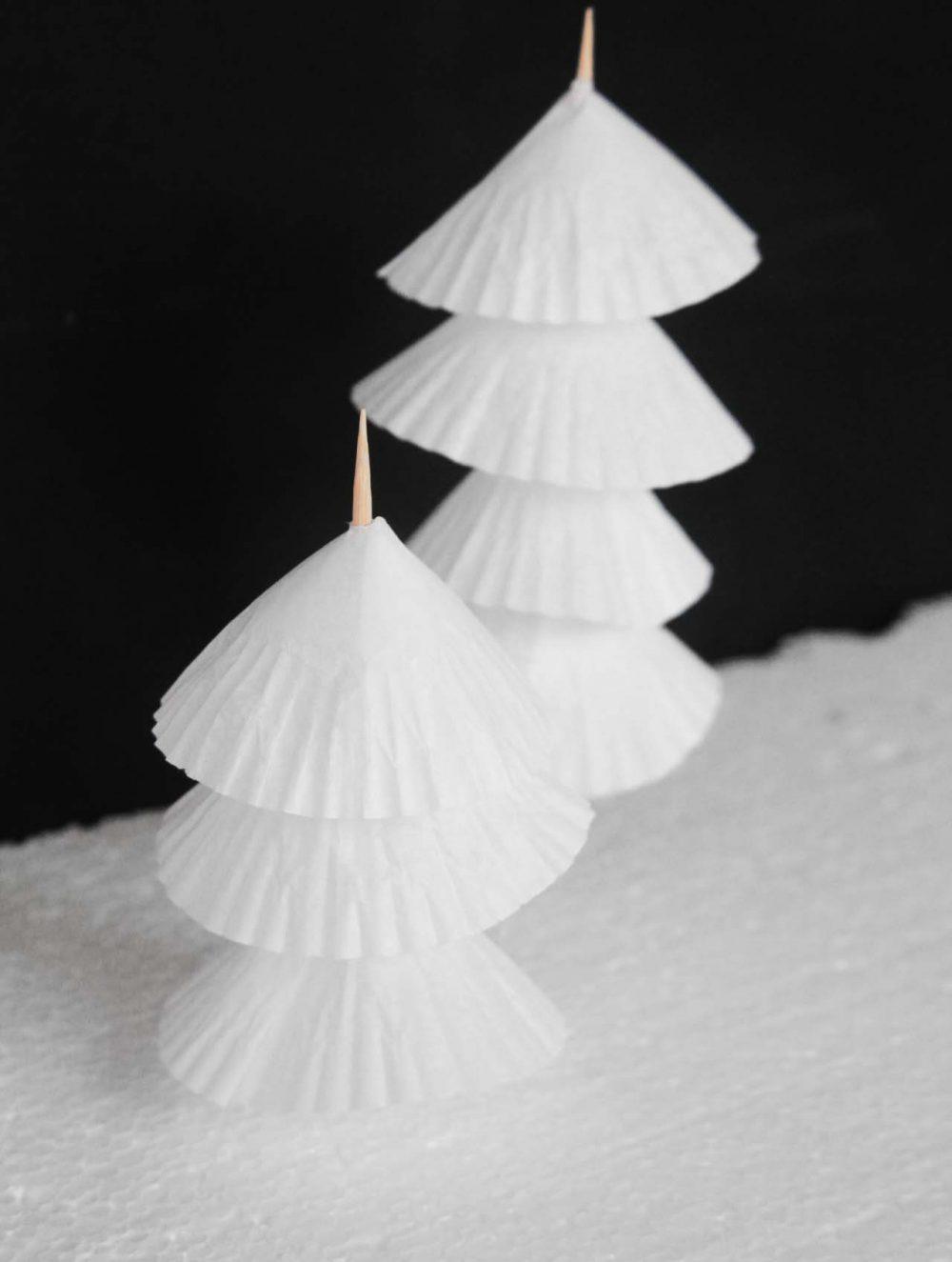 Make a paper Christmas tree
