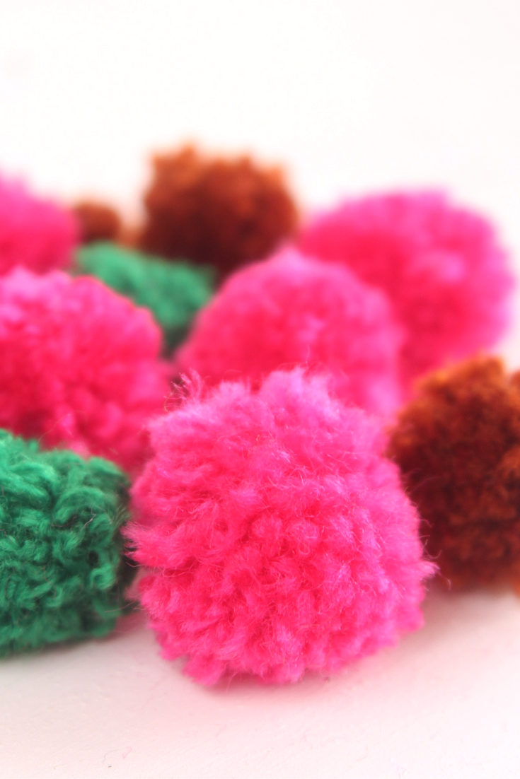 how to make tiny pom poms
