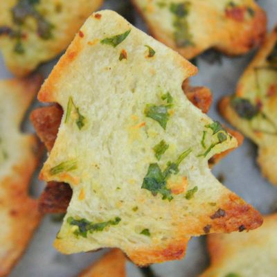 Garlic Bread Chips With Hot Cheese Dip