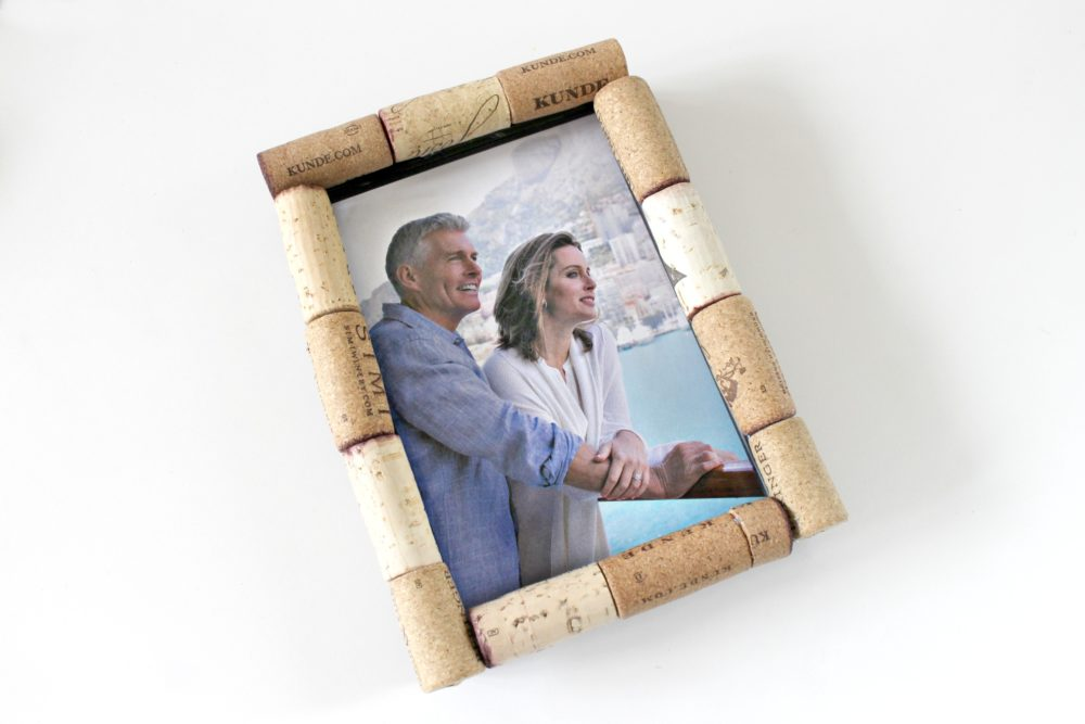 Cork Frame Craft, Brilliant Way To Recycle Wine Corks!
