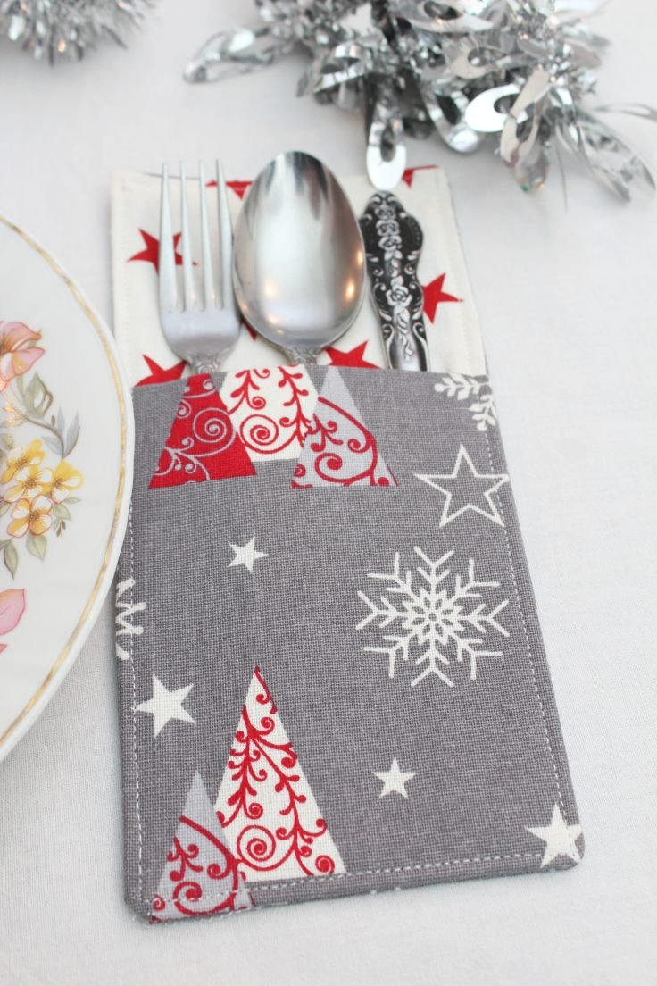 Cutlery holder in Christmas themed fabric