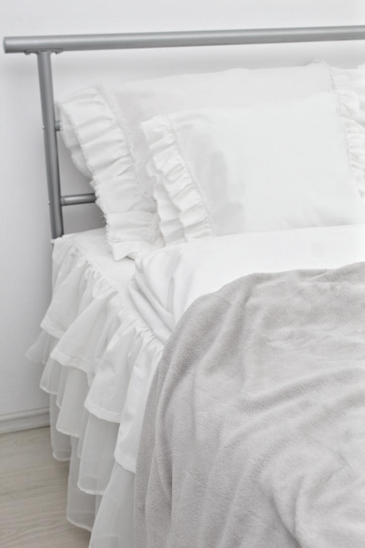 Ruffled pillow shams