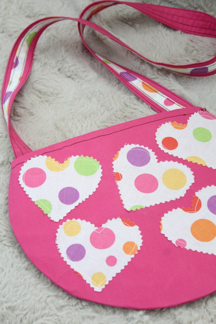 Round crossbody purse