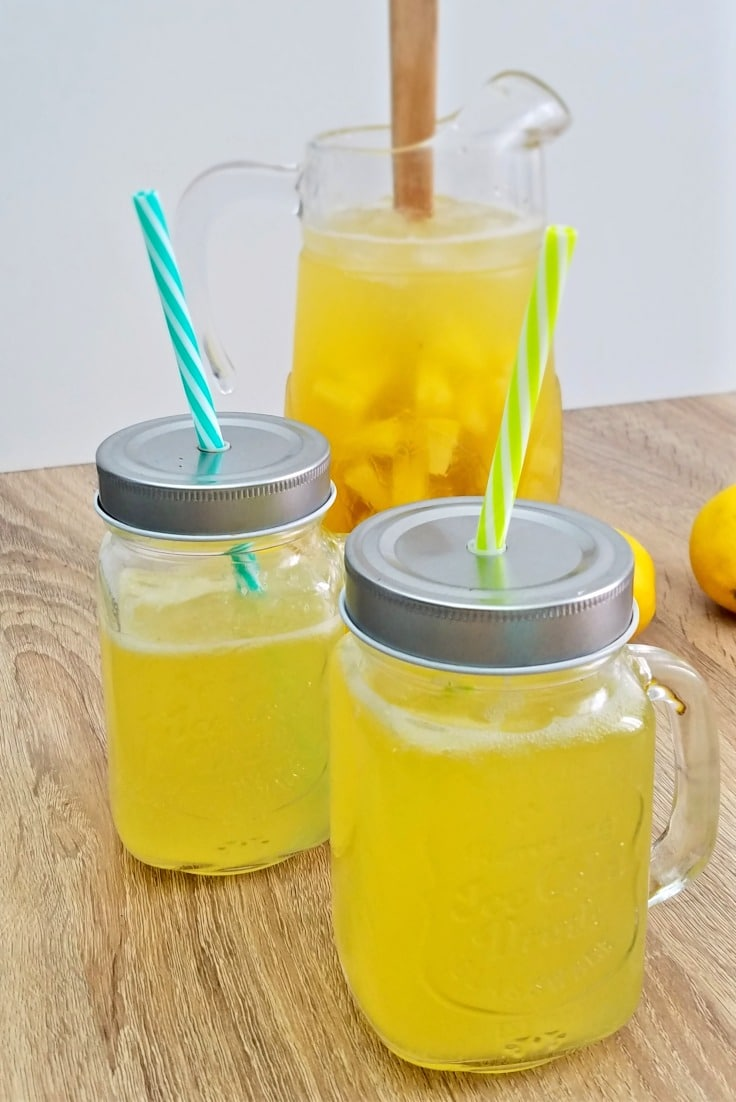 Sparkling lemonade punch