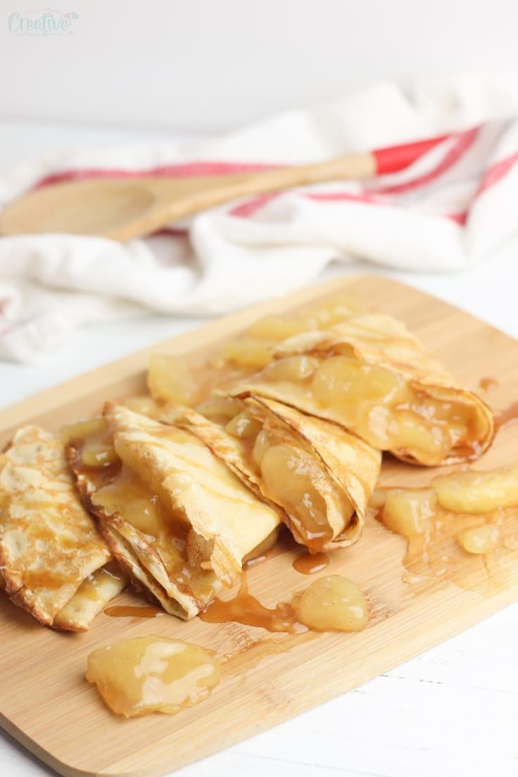 Apple crepes with caramel sauce