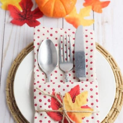 Holiday napkin cutlery holders