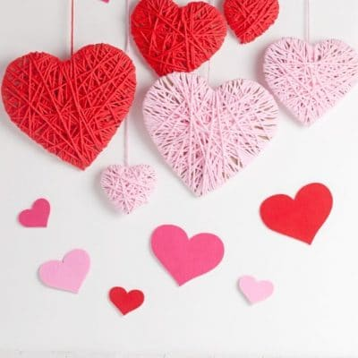 Yarn hearts Valentines backdrop
