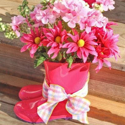 Rain boot vase DIY Spring decor