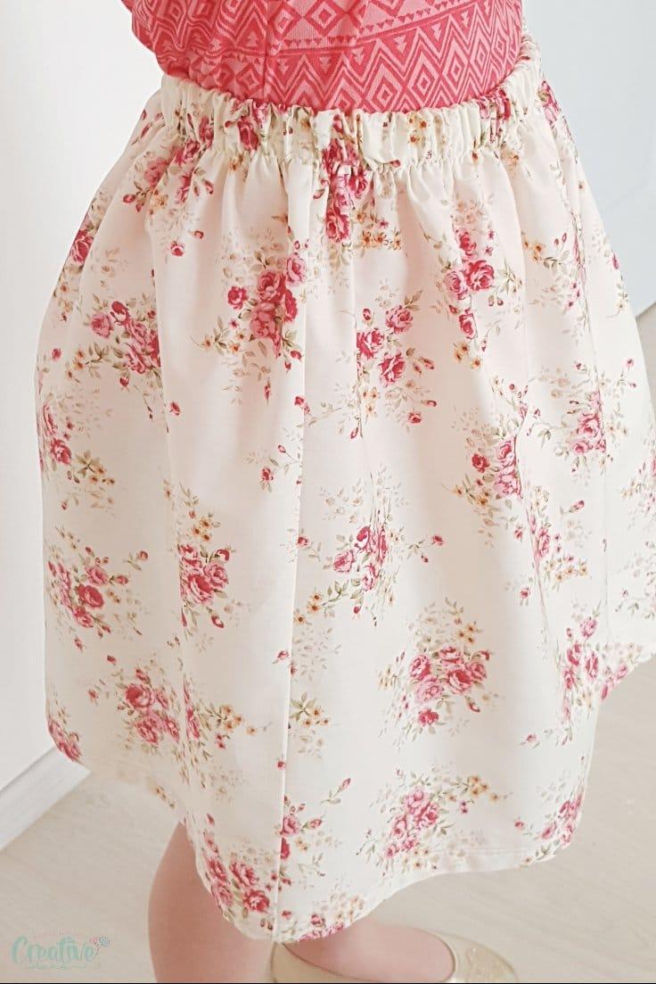Elastic waist skirt