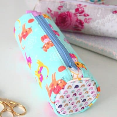 This round pencil case pattern is so easy and adorable, you'll love sewing it!