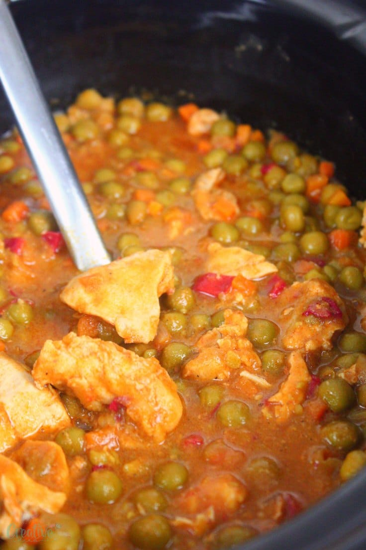 Image of slow cooker chicken stew with peas