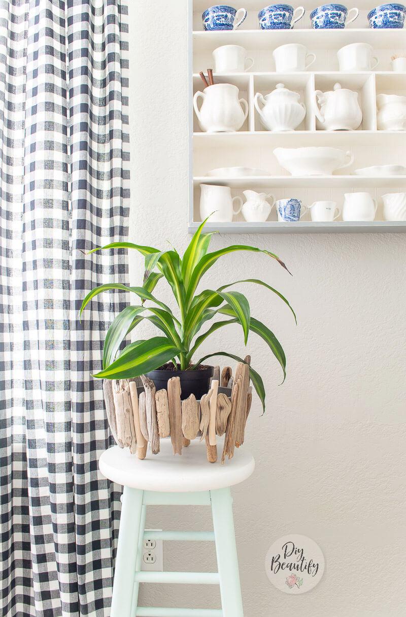 Simple Driftwood Planter summer room decor